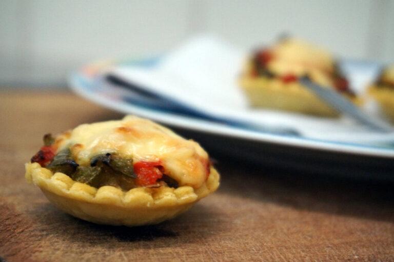 Tartelettes à la purée d'aubergine et St Nectaire