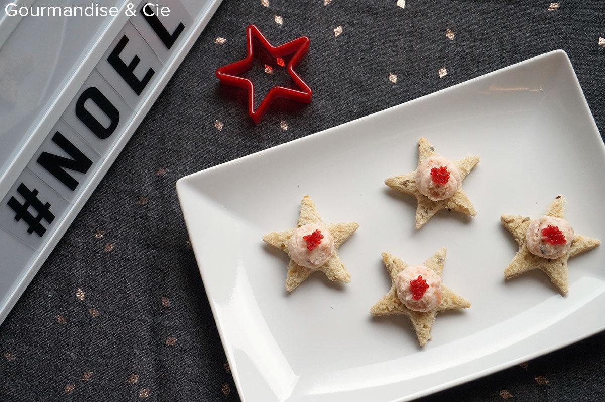 Recette apéritif de Noël : toasts faciles au saumon fumé et fromage frais